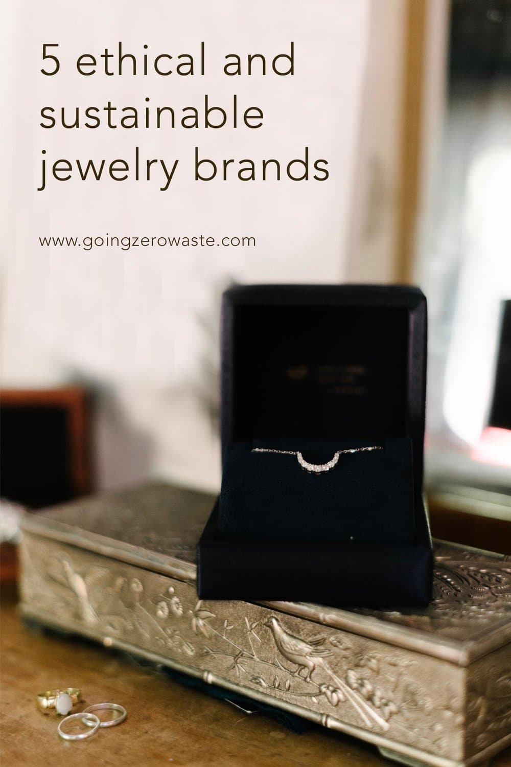 5 ethical and sustainable jewelry brands from www.goingzerowaste.com #ethical #sustainable #jewelry #ecofriendly #labgrowndiamonds