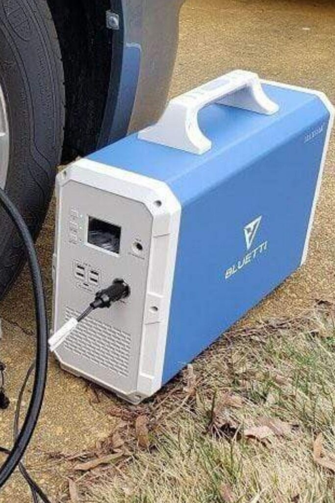 Maxoak Bluetti: The 10 Best Solar Powered Generators to Sustainably Keep the Lights On